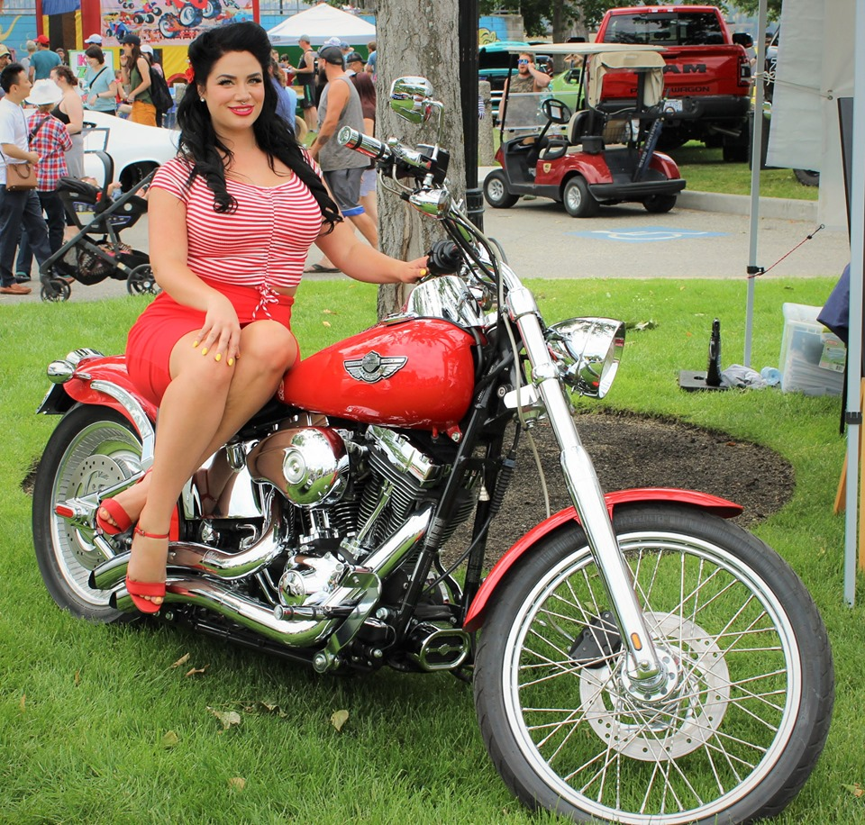 Boyds car show | Kelowna | Classic girl on motorcycle